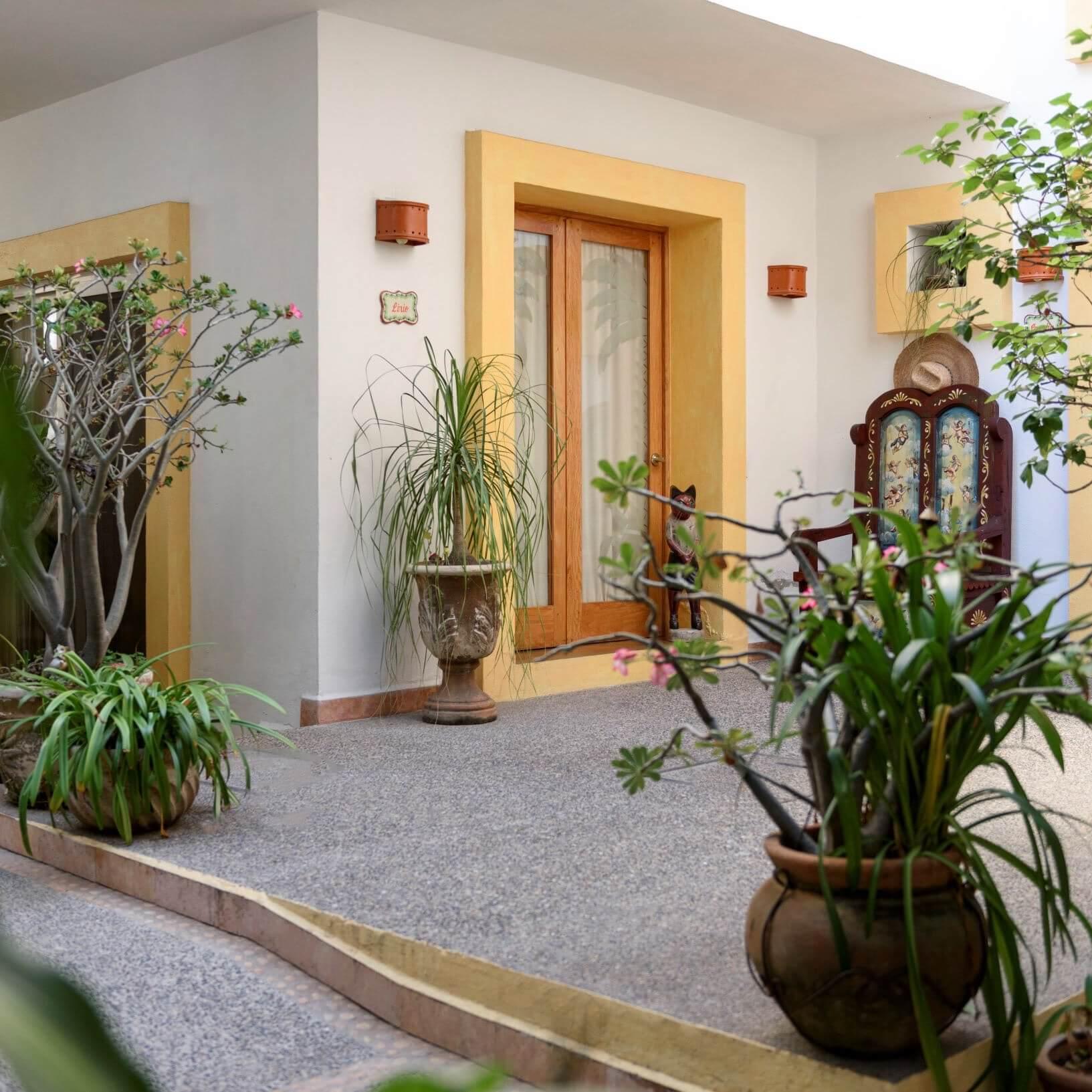 Entrance to the Hacienda Alemana hotel
